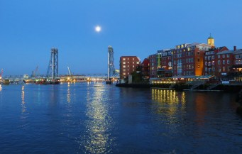 Full Moon over Portsmouth